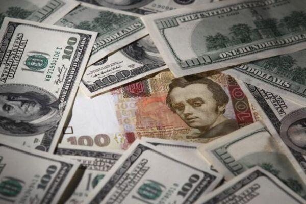 На українців чекає новий курс долара: як вплине рішення НБУ і що очікує ринок