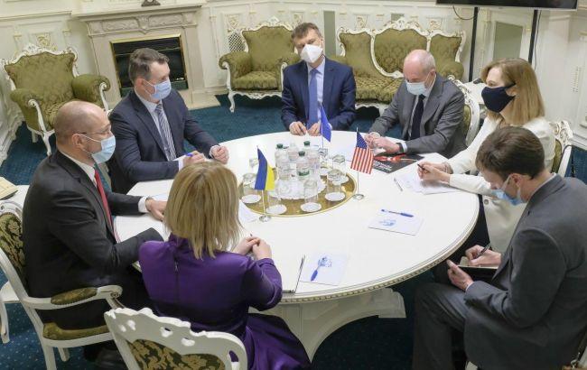 Кабмін готовий до переговорів про виїзд заробітчан до країн ЄС