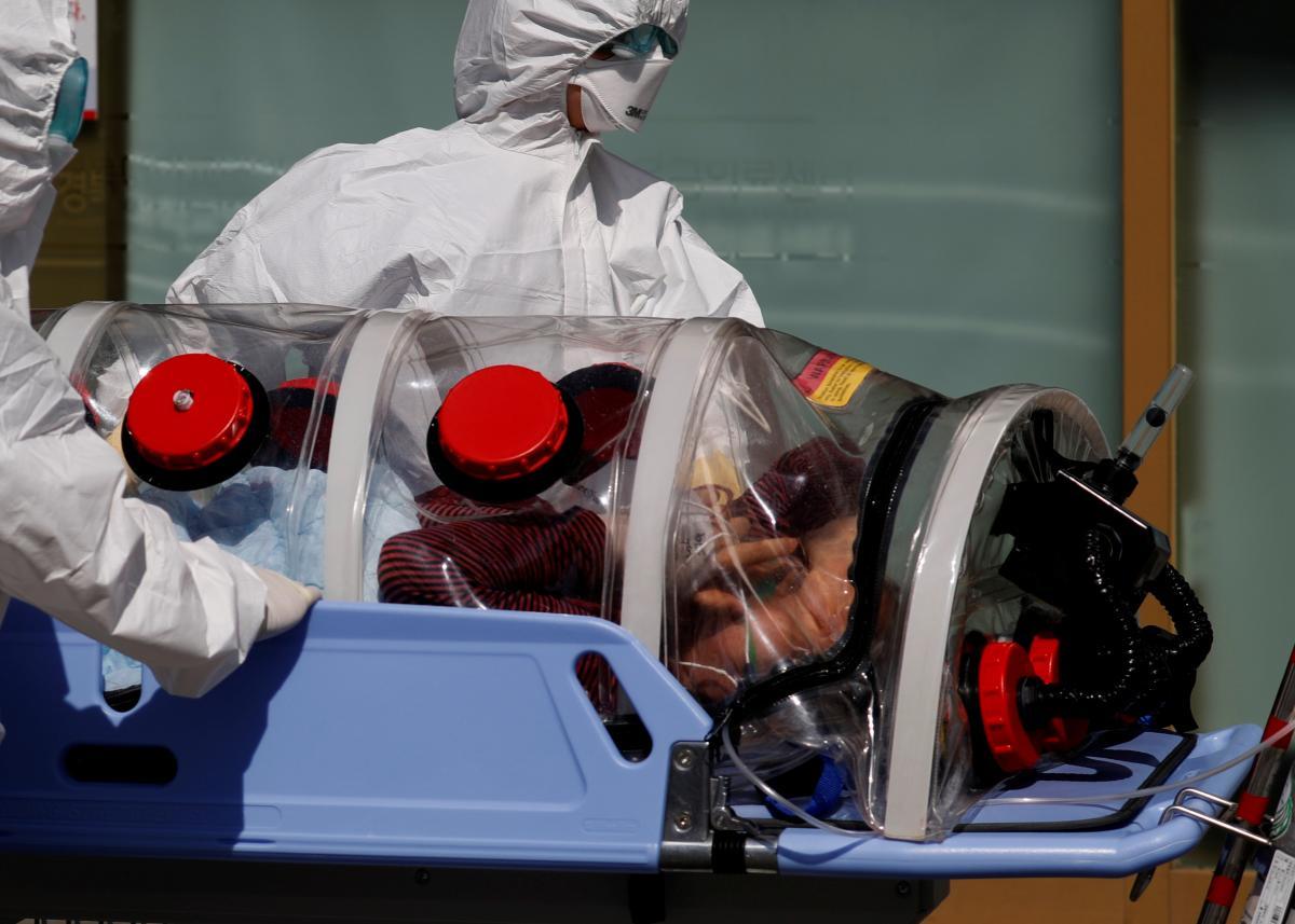Китайські науковці хочуть перемогти коронавірус без вакцини: нові ліки готують до випробувань