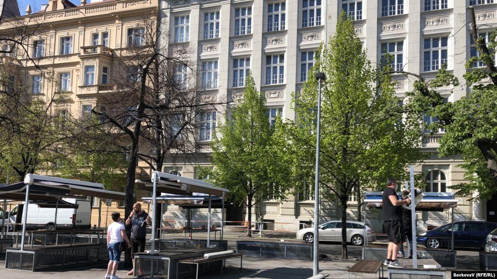 Чехія скасовує масковий режим на вулиці з 25 травня