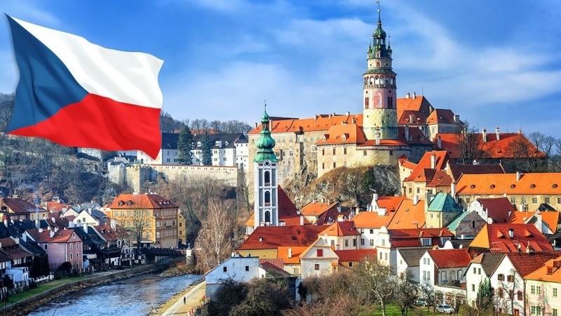 """""""Гостра"""" нестача робочих рук: у Чехії відкрили кордони для заробітчан, подробиці"""