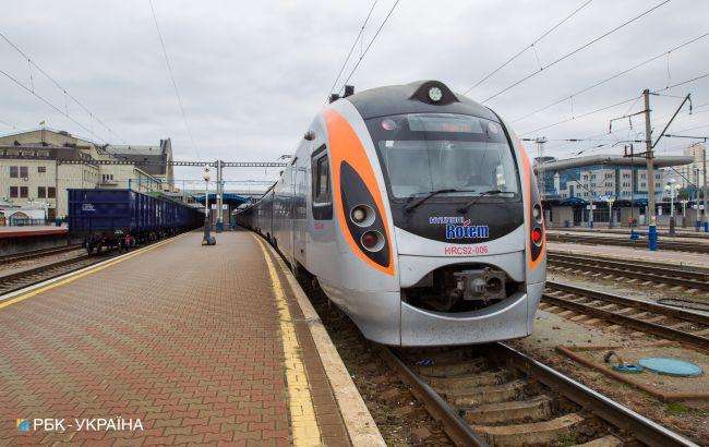 """""""Укрзалізниця"""" запускає поїзди після 75 днів карантину. Що треба знати пасажирам"""