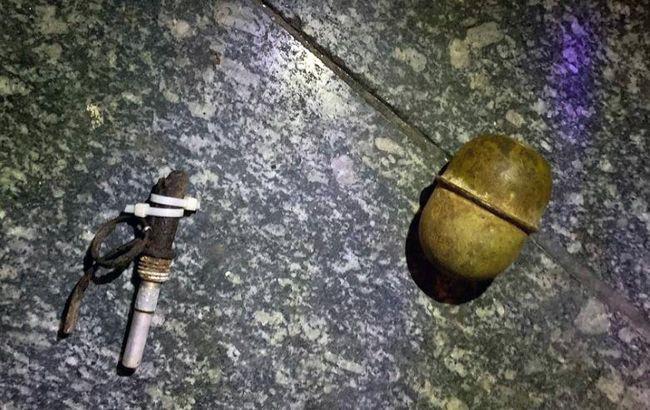 У Києві чоловік погрожував підірвати гранату в супермаркеті через зауваження про маску