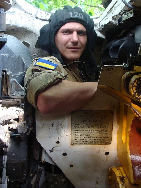 Світ сказився: у київській лікарні обікрали відомого волонтера, поки він в муках вмирав у реанімації (фото)
