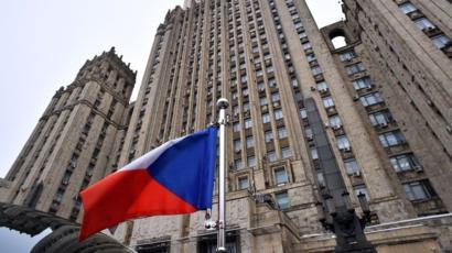 Вислання російських дипломатів з Чехії: у Москві відреагували на дипломатичний скандал