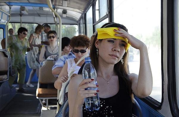 У масці в +40 ніхто не витримає: епідеміолог відкрито заявив про проблему в Україні