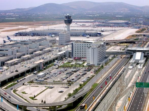 У МЗС повідомили про деталі інциденту з 17 українцями в аеропорту Афін