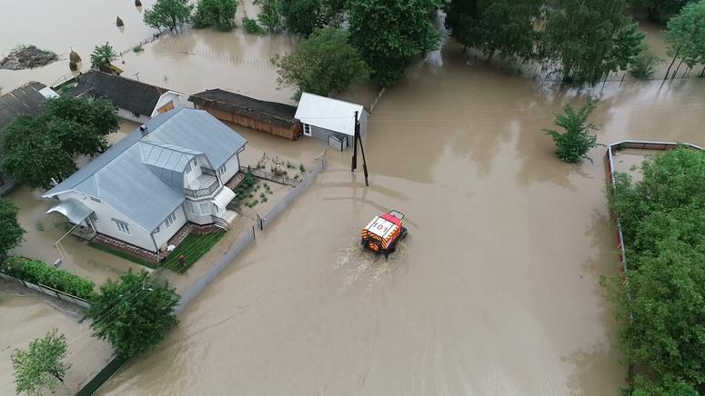 Постраждалим від повеней в Україні виплачуватимуть компенсації: названо суми