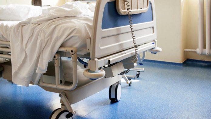 """Мати добу не викликала """"швидку"""": львівські медики рятують 8-річного хлопчика від тяжких опіків"""