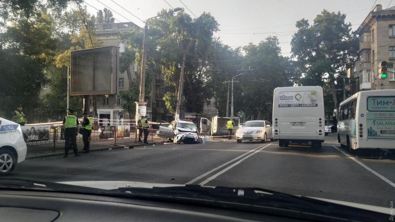 В Одесі авто поліції влетіло на швидкості в мікроавтобус – наслідки страшні