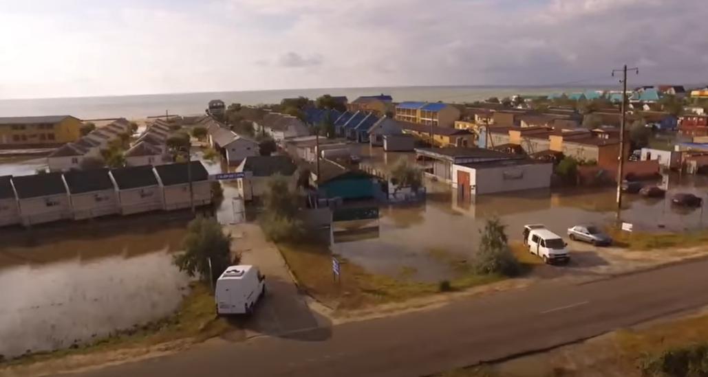 Потоп в Кирилівці зняли з висоти пташиного польоту