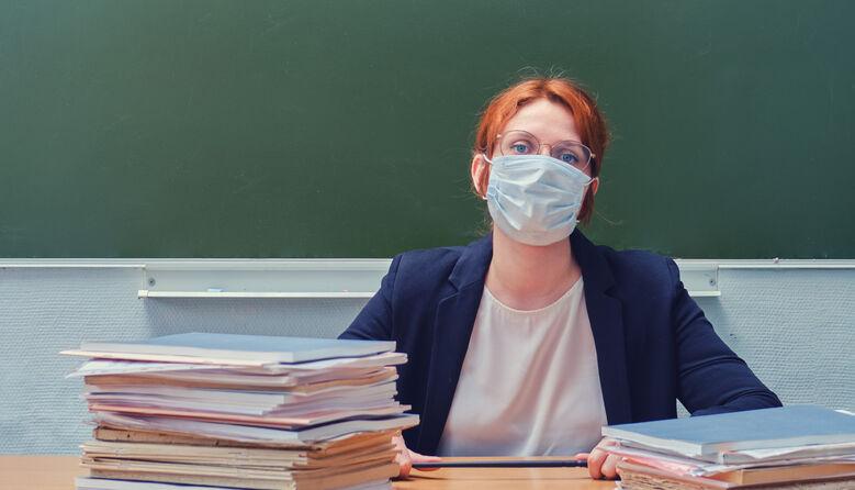 Чи відправлятимуть педагогічний колектив на самоізоляцію, якщо захворіє один вчитель – відповідь МОЗ