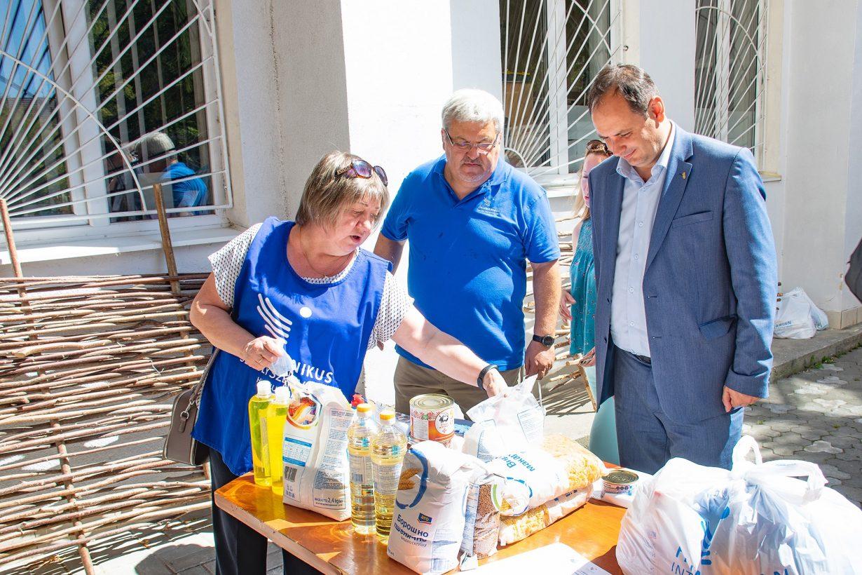Франківці, які постраждали від повені, отримали благодійну допомогу від Угорщини