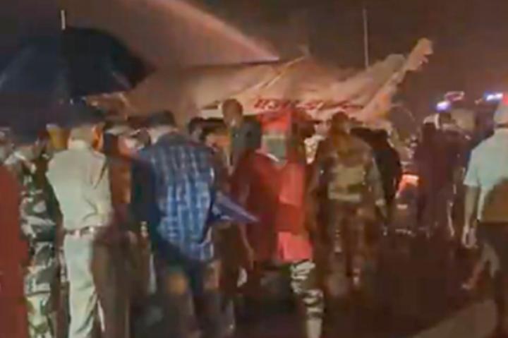 В Індії розбився літак зі 191 пасажиром на борту