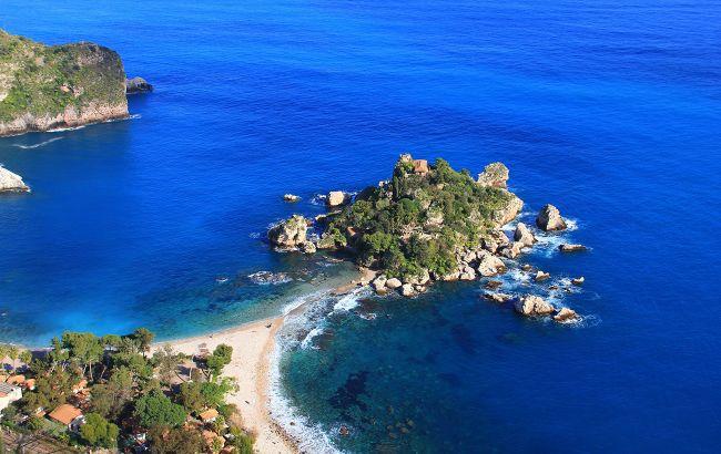 Син українського олігарха купив острів в Італії за 10 мільйонів