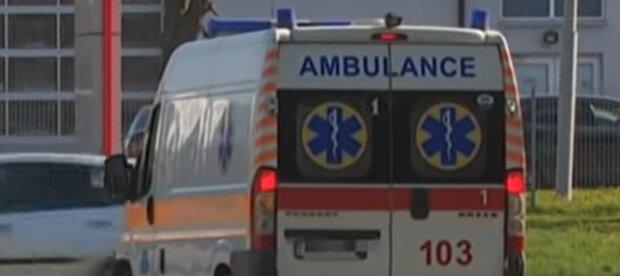 """На Франківщині швидка залишила помирати чоловіка з хворим серцем: """"Він просто п'яний"""""""