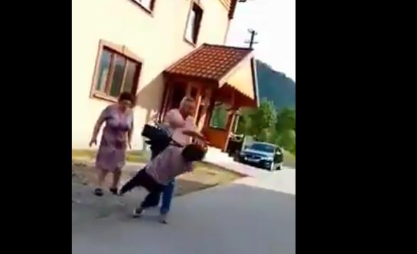 Депутат Сколівської райради вдарив в обличчя жінку