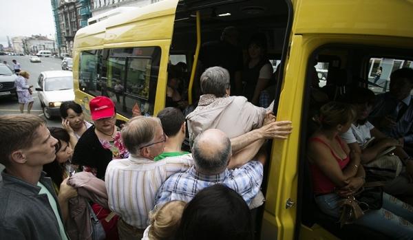 Маршрутки можуть зникнути з українських міст, а вартість проїзду суттєво подорожчає