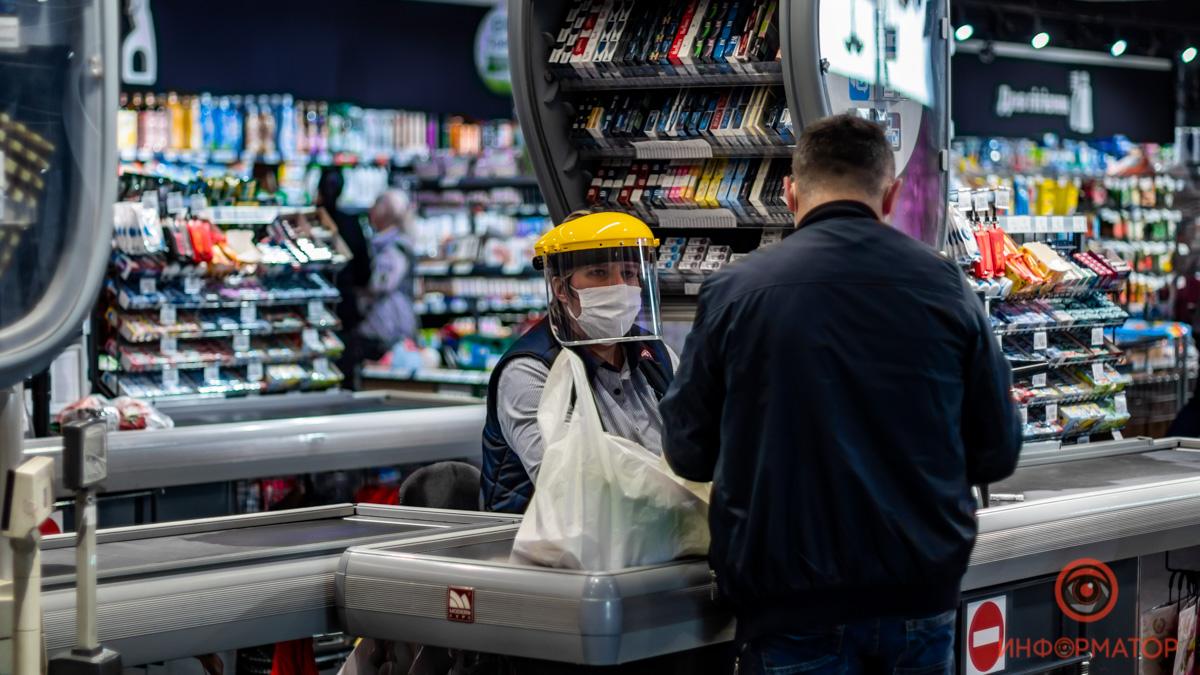 У супермаркеті покупець без маски влаштував бійку – все почалося з зауваження на касі