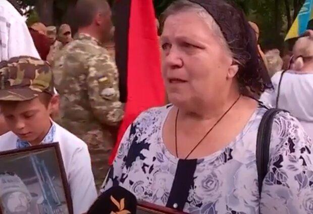 """Мати загиблого кіборга присоромила Єгорову на всю Україну: """"ми – сім'я селюків…"""""""