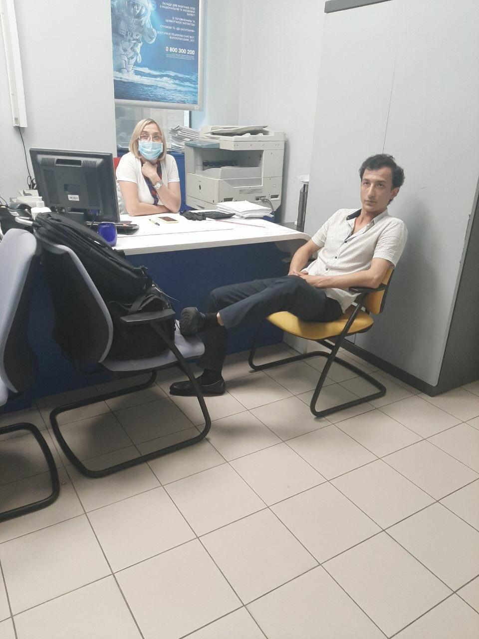 Терорист, який захопив заручника в Києві, висунув першу вимогу