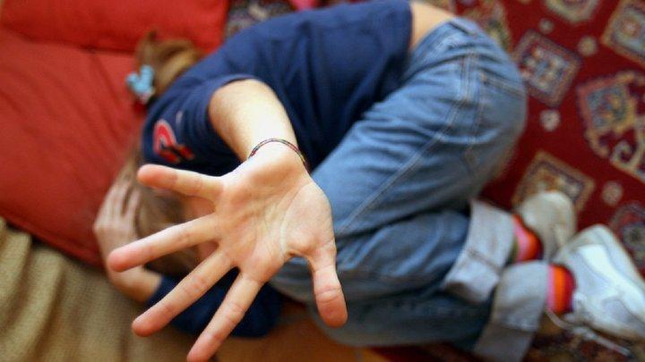 У Сумах банда підлітків місяцями ґвалтували 6-річного хлопчика, а поліція не зважала