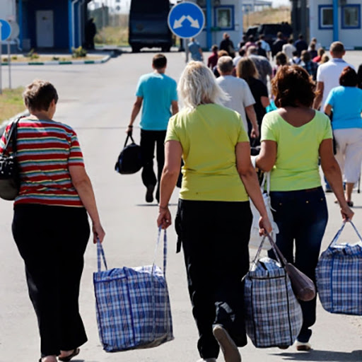 В Україні піднімуть зарплату, аби громадяни не їхали на заробітки, — Шмигаль