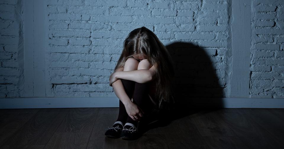 На Полтавщині двоє хлопців зґвалтували 4-річну дівчинку