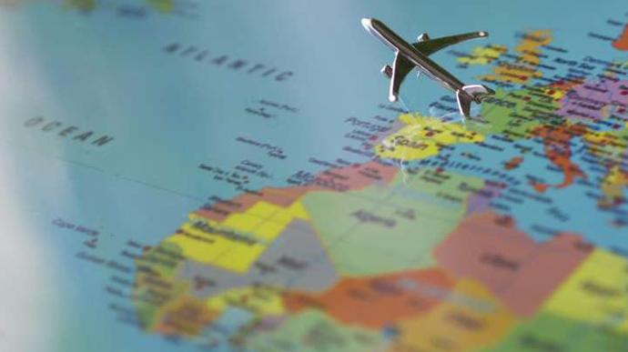 Українцям дозволили подорожувати до 52 країн: оновлений список