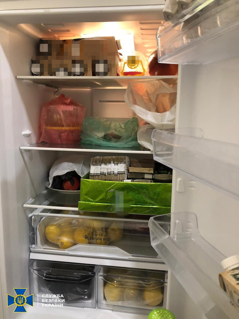 """Гроші ховали в холодильнику: СБУ розкрила масштабну корупційну схему на """"Укрзалізниці"""", фото"""