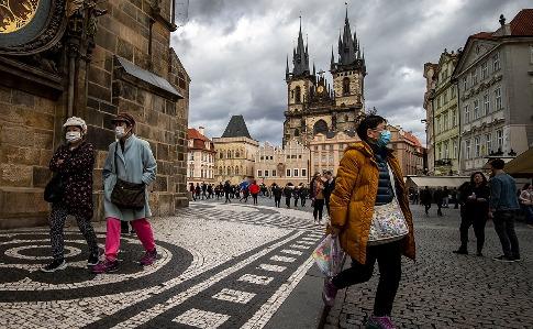 У Чехії обмежать роботу барів і ресторанів через темпи поширення коронавірусу