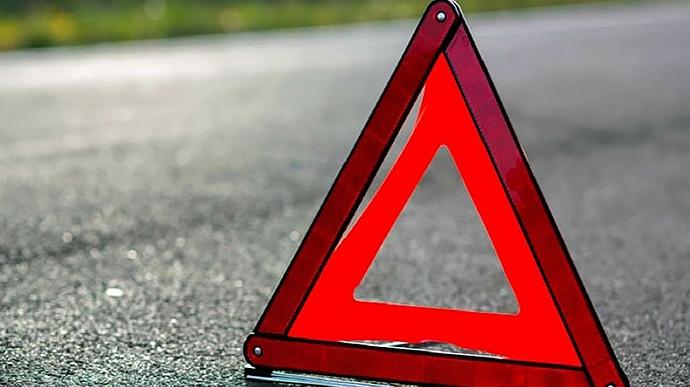 Водій збив дорожніх робітників на Львівщині: один з них загинув