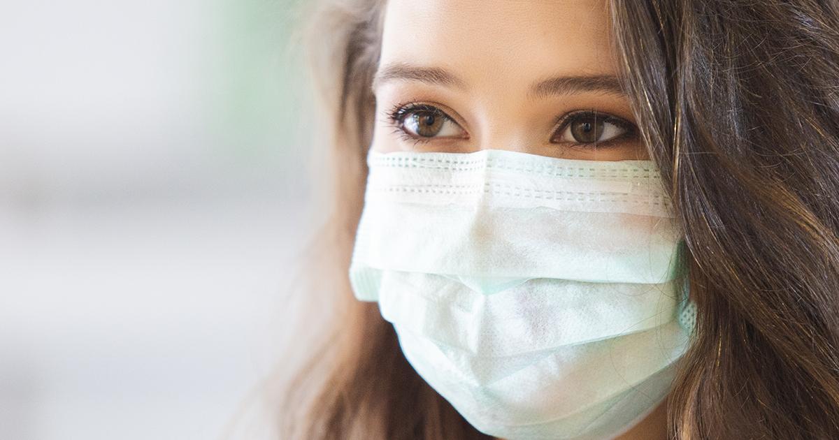 Від чого захищає медична маска і коли приносить шкоду: пояснення лікаря-інфекціоніста