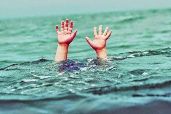 Під Херсоном мати втопила маленьку дитину в каналі через її хворобу: моторошні деталі
