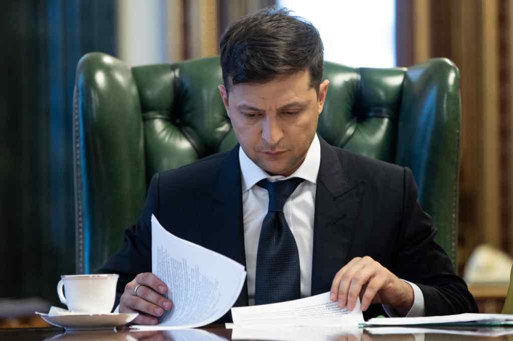 """Це """"вирок"""" для країни: Зеленський виступив з важливою заявою щодо жорсткого карантину"""