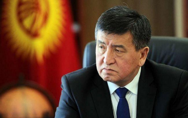 Закривають кордони: у Киргизстані заявили про зникнення президента