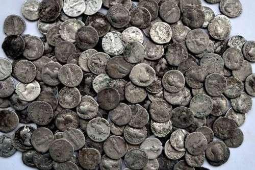 Іноземці продали киянину фальшиві монети на 1,5 млн грн