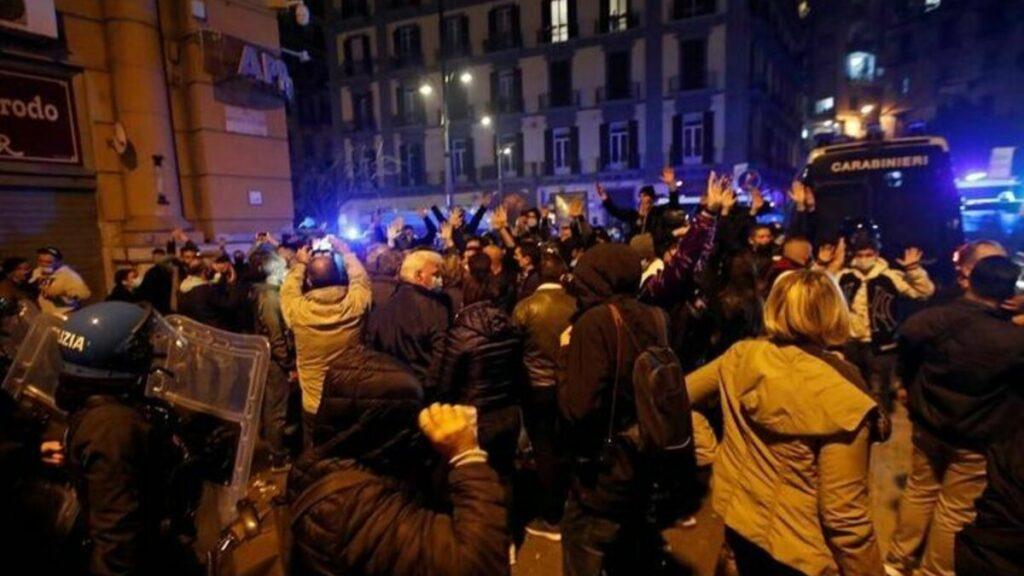 В Італії спалахнули антикарантинні протести