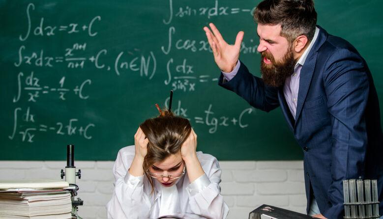 Немає закону, який карає батьків за моральне знущання з учителів і директорів шкіл – очільниця департаменту освіти