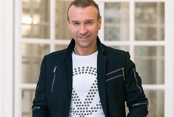 """""""Вовчиці будуть шоковані"""": відомий український співак втратив 10 кілограмів через COVID-19"""