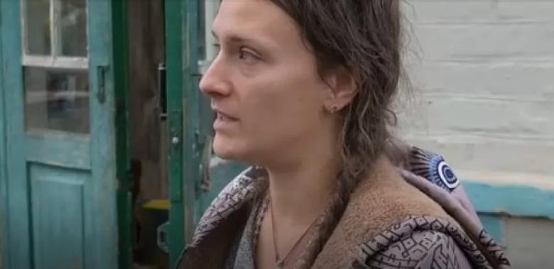 На очах у молодої дружини з немовлям на руках: біля власного дому жорстоко вбили чоловіка (фото)