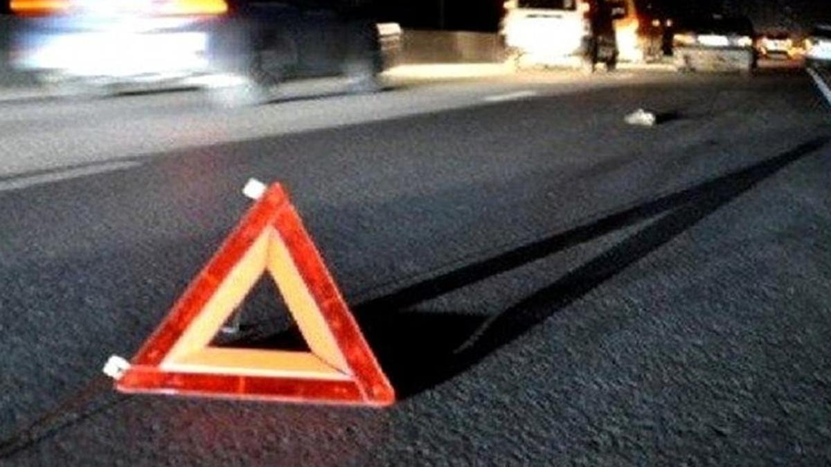 У Києві бабуся загинула під колесами авто: момент ДТП потрапив на відео