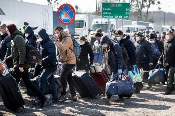 Свято наближається: черги на кордоні з ЄС зросли удвічі (ФОТО)