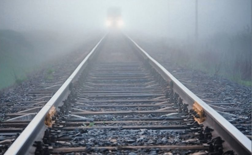 У Дніпрі 11-річний хлопчик потрапив під поїзд – лікарі рятують йому життя: відео та моторошні деталі
