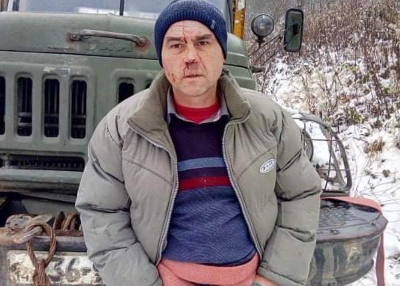 На Львівщині чоловіка, який бореться з незаконними вирубками лісу, зв'язали та побили