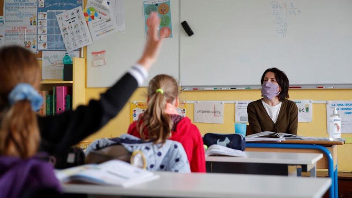 Як працюватимуть школи та садочки під час локдауну в січні: рекомендації експерта