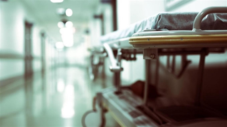 Замовляли пиріжки: чоловік помер у коридорі лікарні на Буковині, бо медики не мали часу допомогти (відео)