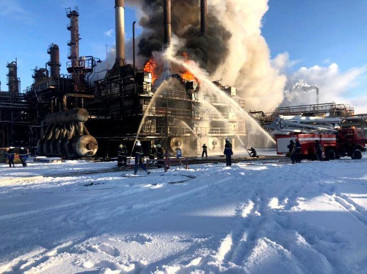 На Івано-Франківщині горить завод: перші деталі та фото