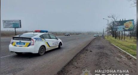Гра долі: у Миколаєві чоловік вцілів у ДТП, а коли вийшов з понівеченої автівки на дорогу, його збила іномарка