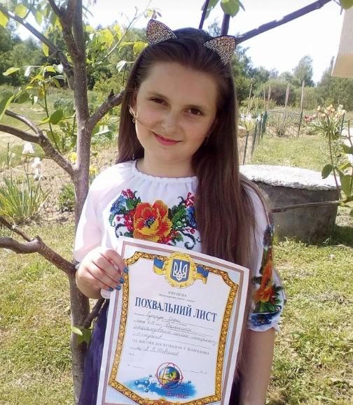 """""""Єдина дитина, просто янгол"""": у страшній аварії загинула 13-річна дівчинка, мати виїхала на зустрічну (фото)"""